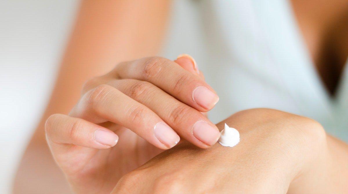 treat dry hands