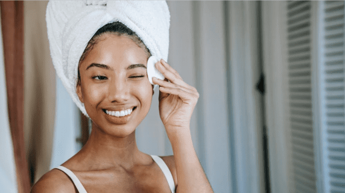 What Is Micellar Water And How Does It Cleanse?