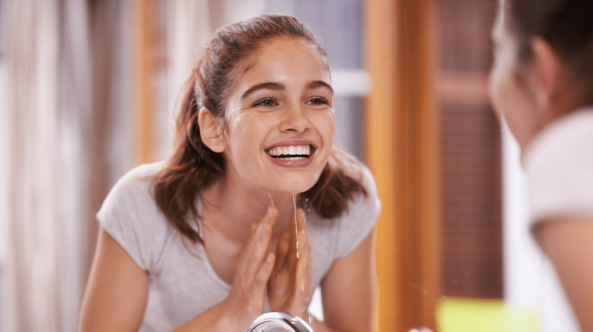 How to Wash Your Face Using the Oil Cleansing Method