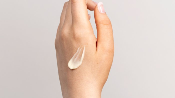 How to apply a hand cream as a hand mask | Antipodes UK