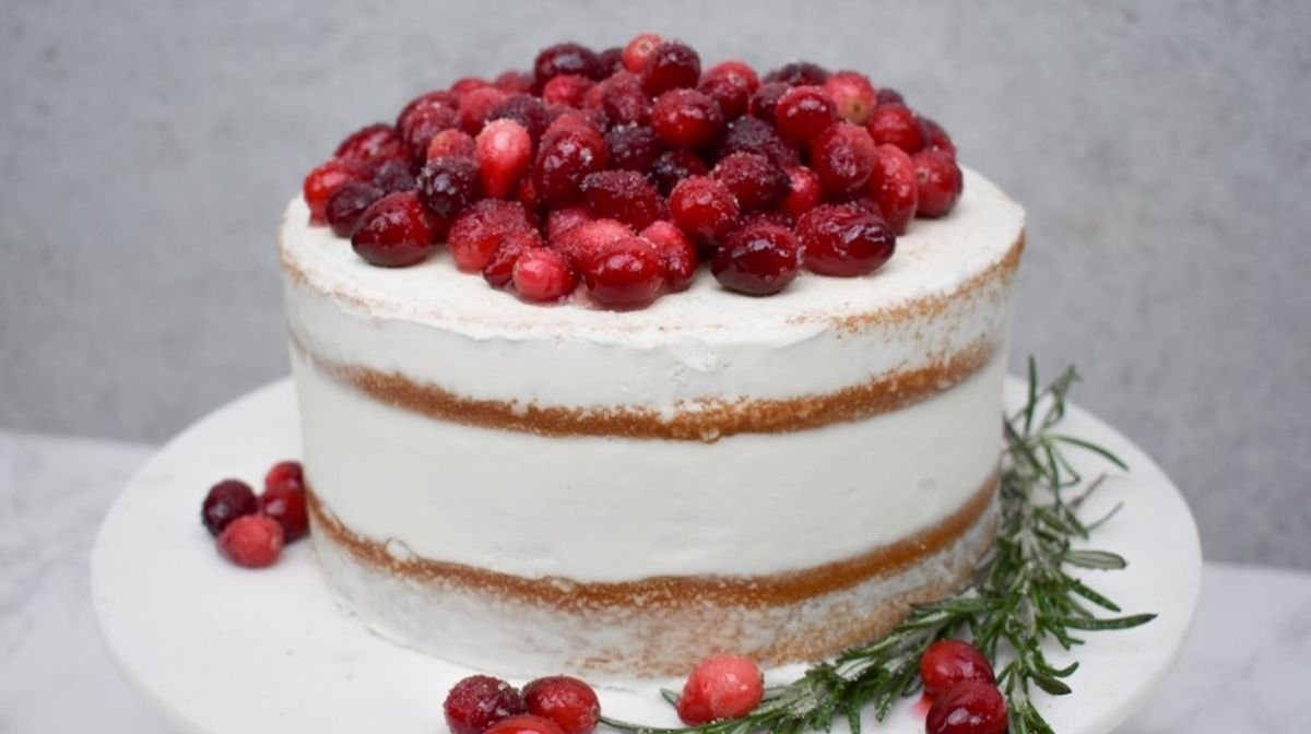 Your Weeknight Treat: A Gluten-Free Vanilla Cake