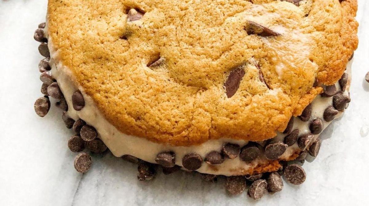 collagen ice cream cookie sandwich