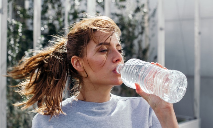 The Secret to Healthy, Glowing Skin Is…Water? Dr. Murad Explains