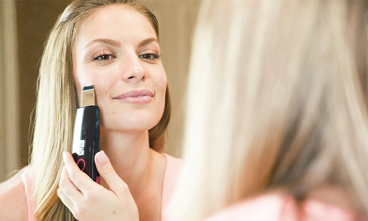 Ultrasonic Skin Spatula: A Better Alternative to Cleansing Brushes?