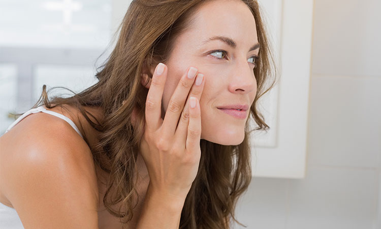 7 Things You Didn't Know About Hormonal Acne and Aging