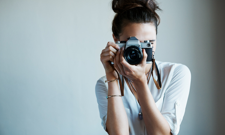 How to Look Good in Pictures: 7 Beauty Tips From the Pros