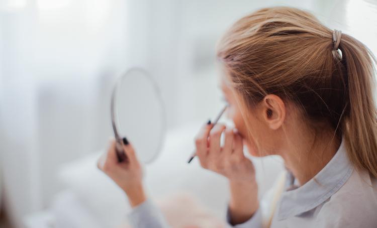 Liquid Eyeliner vs. Pencil Eyeliner: Let's Line 'Em Up