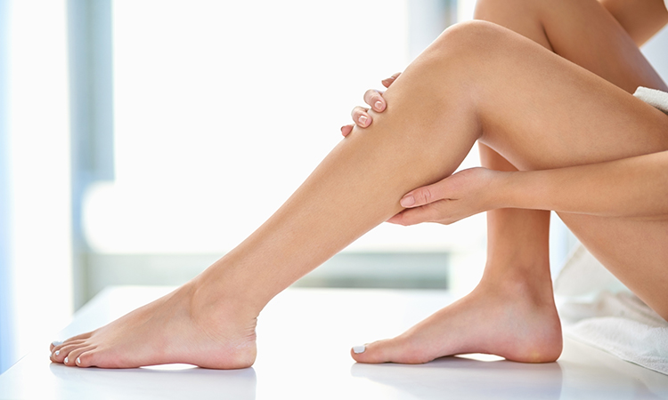 6 Expert Tips on How to Wax at Home Like a Pro