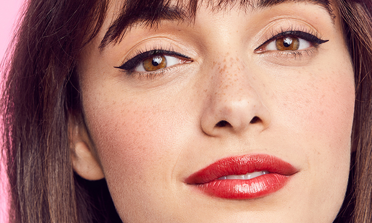 How to Rock the Blurred-Lip Trend (Plus, Our Top Lipstick Picks)
