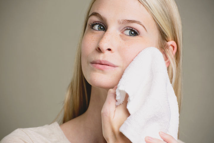 How to Treat Rosacea Naturally