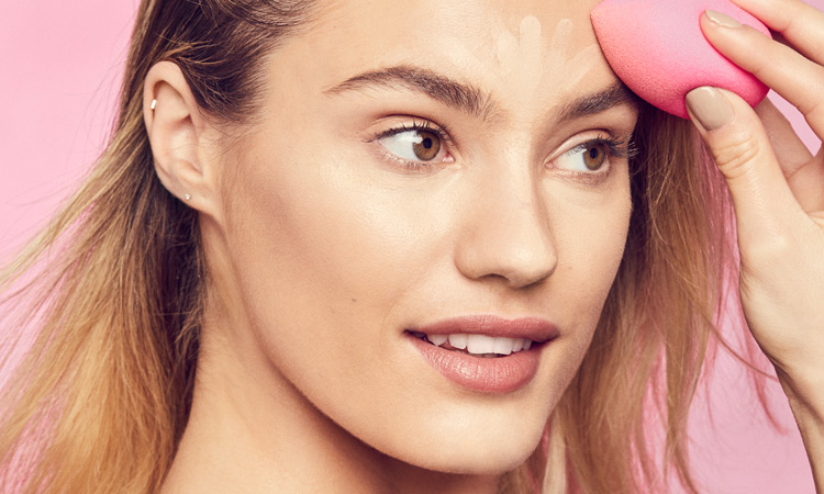 """9 Hydrating Makeup Products That Will Keep """"Winter Face"""" at Bay"""