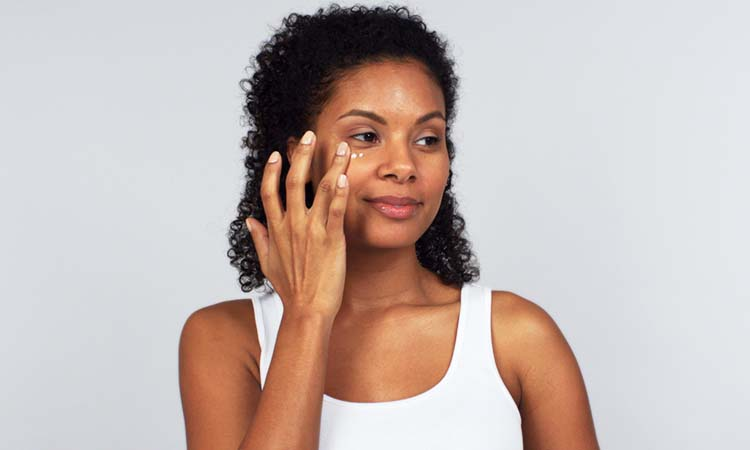 How to Apply Your Eye Cream Properly