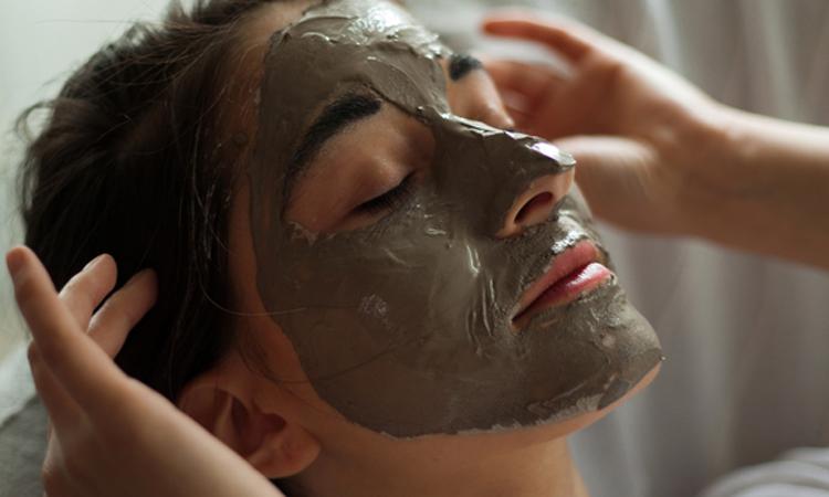 How to Give Yourself a Facial, According to a Master Esthetician