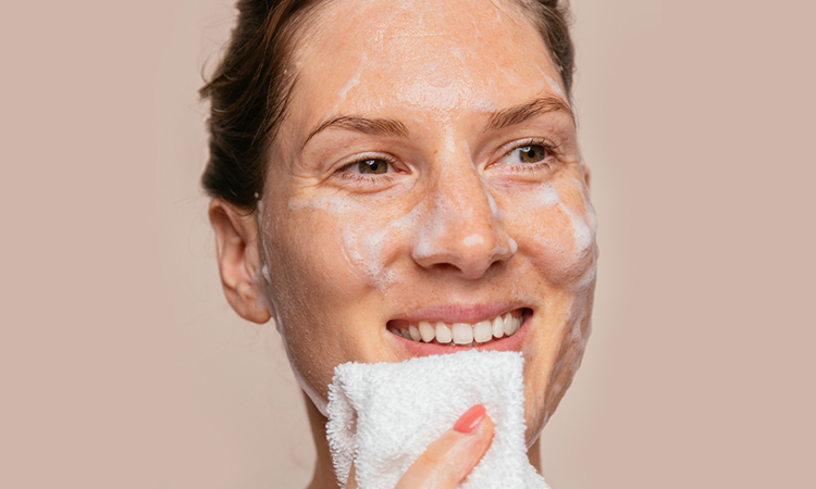 7 Face Cleansers That Work Great on Dry Skin