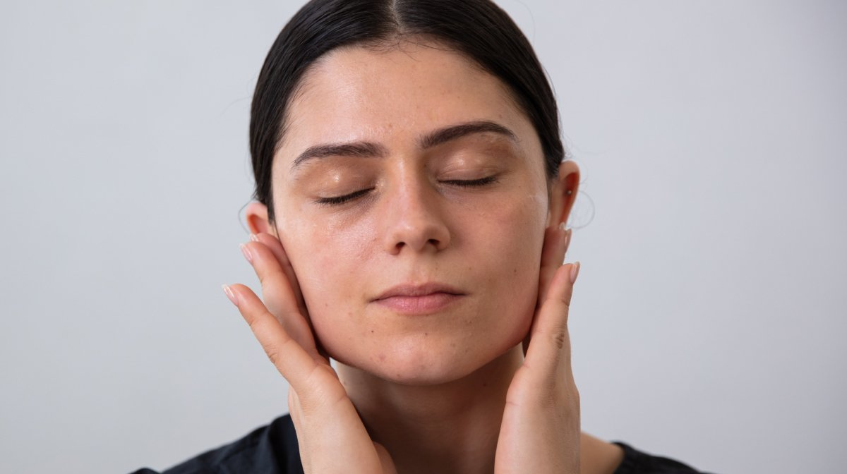 How Facial Massage Can Banish Blemishes