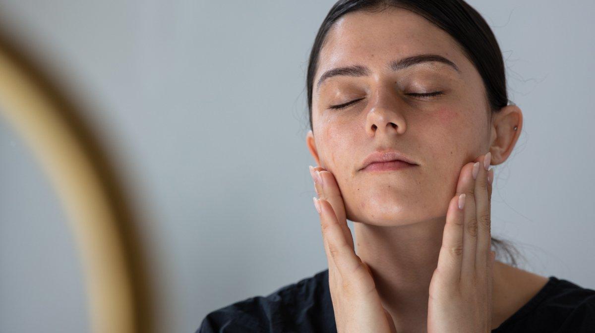 La routine visage pour peau grasse idéale