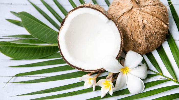 Kokosöl: Das bestgehütete Geheimnis der Haarpflege
