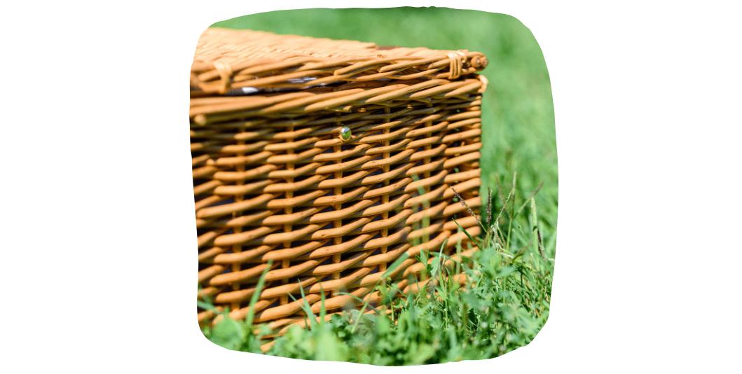 plastic-free picnic hamper