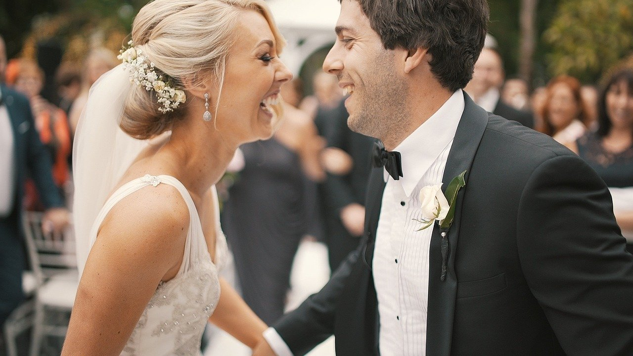 Budget Wedding? How To Keep Costs Down