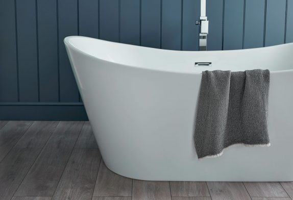 What Accessories and Fittings Do I Need to Buy Along with my New Bath?