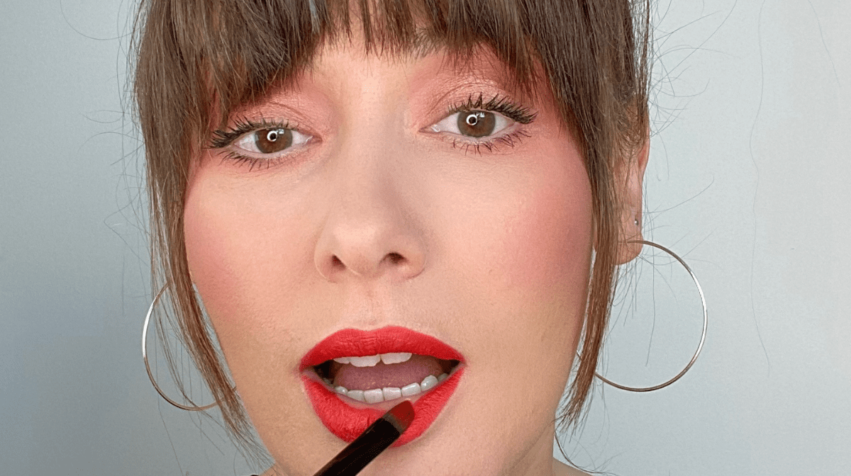 HOW TO CREATE A LONG-LASTING LIPSTICK LOOK: PRACTICE MAKES PERFECT SERIES