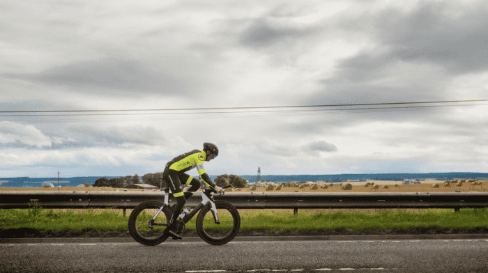 James MacDonald breaks JOGLEJOG World Record