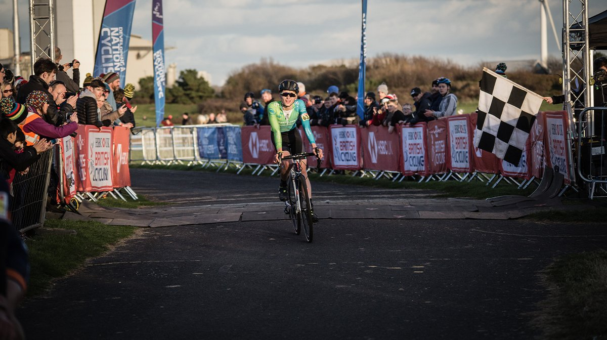 Cyclist takes corner in Endura gear