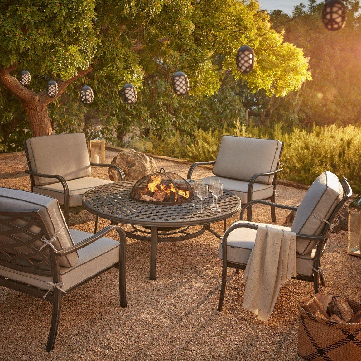 Garden seating around an outdoor fire