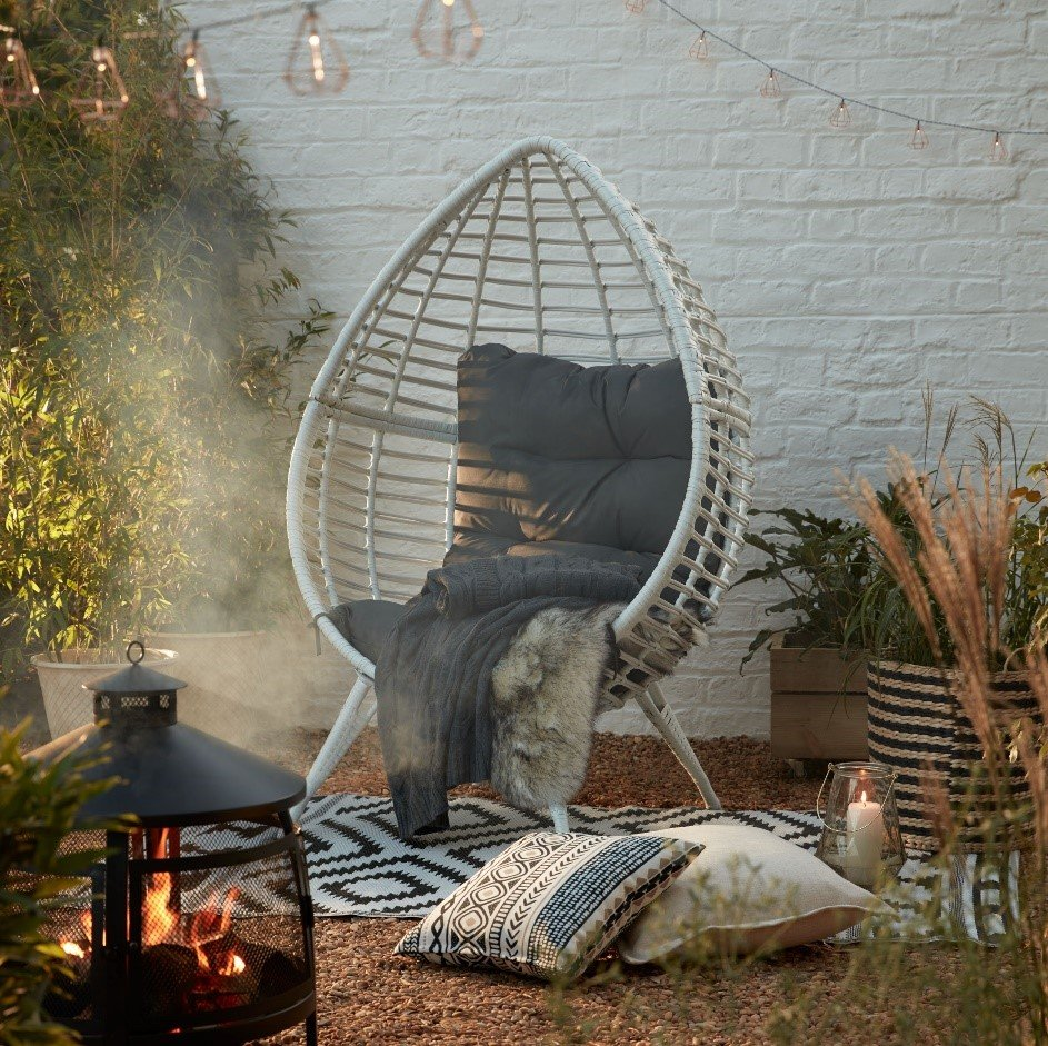 Garden chair with cushions