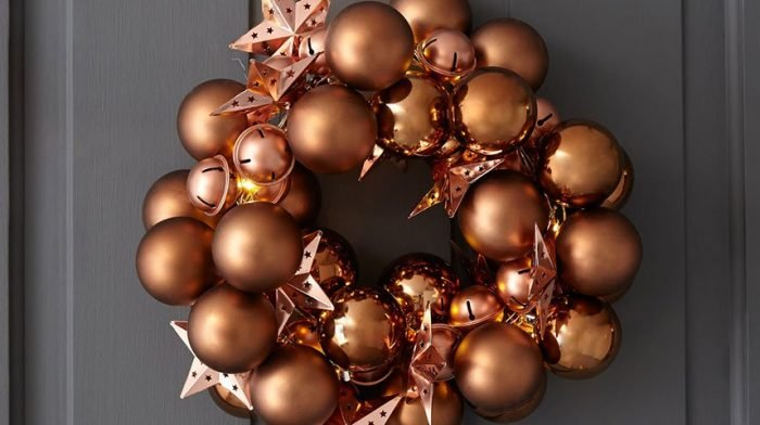 How to Make a Bauble Wreath