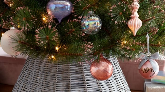 Our Guide to Traditional vs. Non-Traditional Christmas Tree Baubles