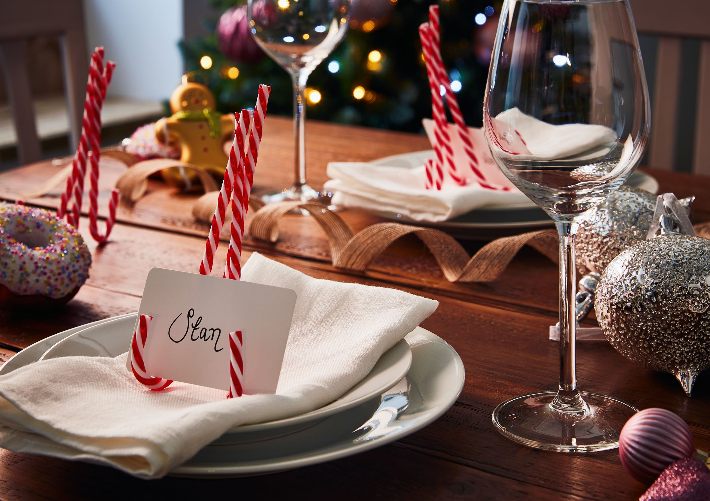 10 Ideas to Prepare Your Christmas Table for a Festive Feast