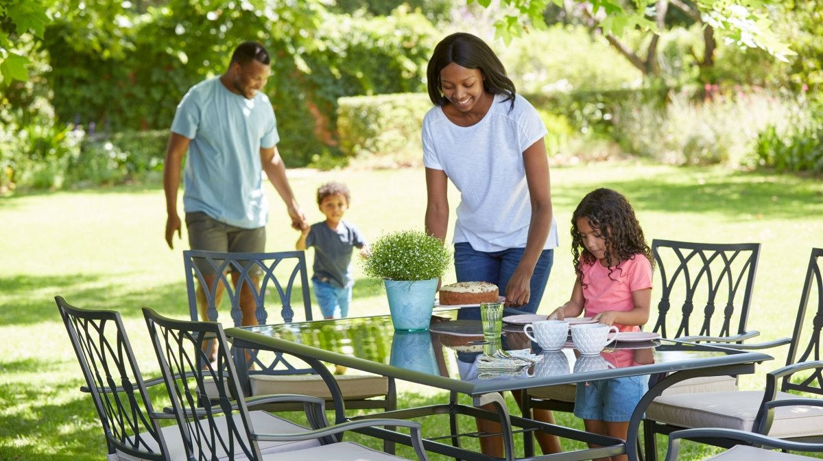 Create The Perfect Entertaining Space In Your Garden