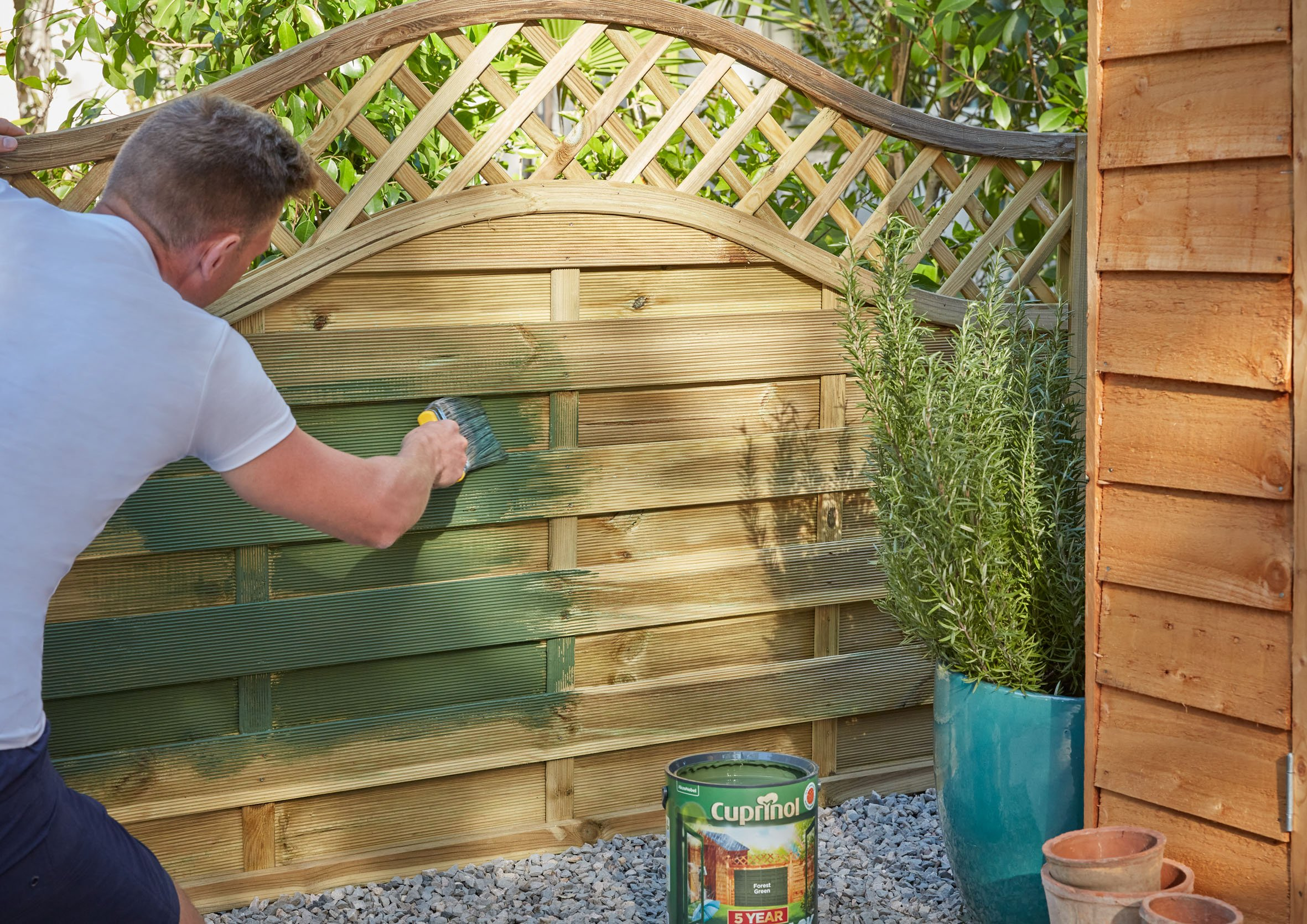 Fence Paint Colours to Make Your Garden Look Bigger