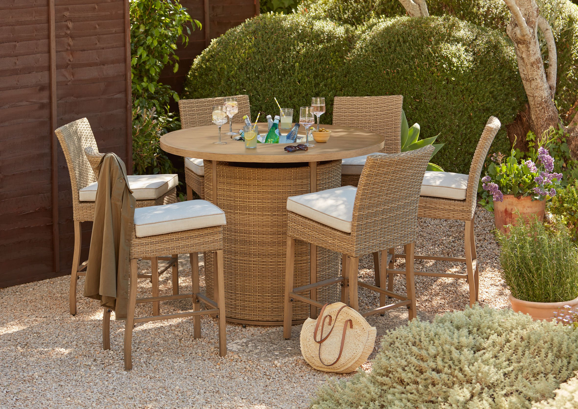 Our Guide to the Best Garden Furniture