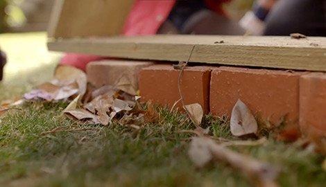 lay bricks for the hotel