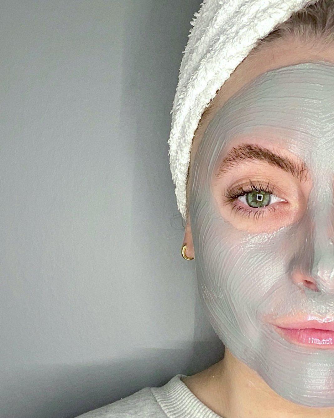 Women wearing a face mask