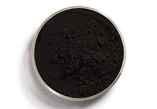 Le charbon végétal : nouvel allié beauté