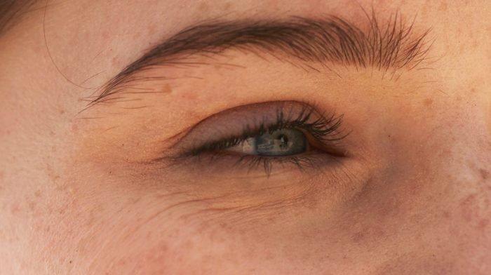 Comment prévenir les ridules du contour des yeux ?