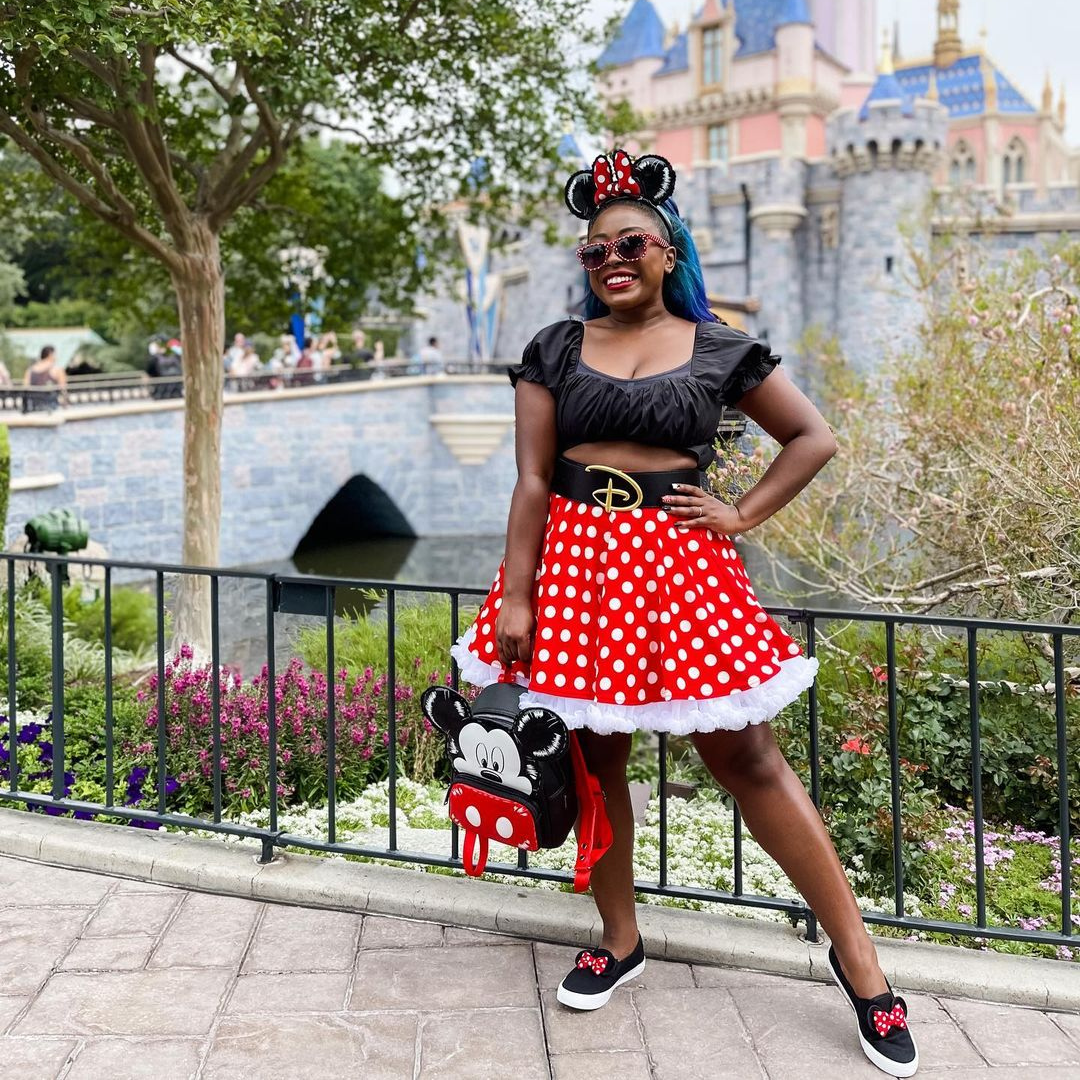 @rozysmagicalworld wearing a Minnie Mouse inspired Disney Bound