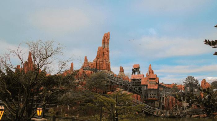 Les Top Trois Attractions et Parades à Disneyland Paris