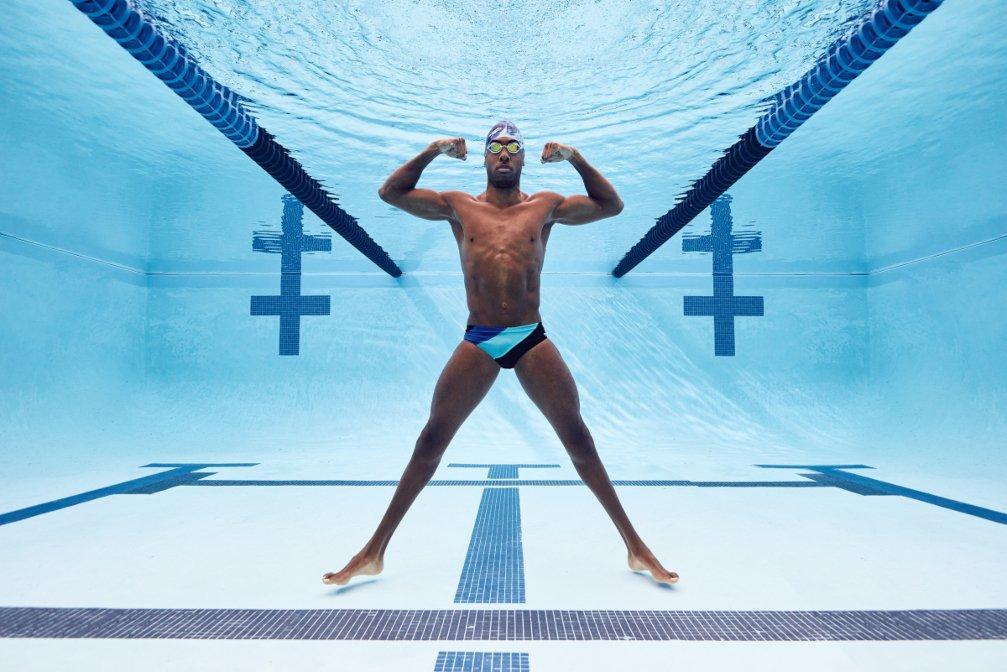 Jamal Hill poses underwater