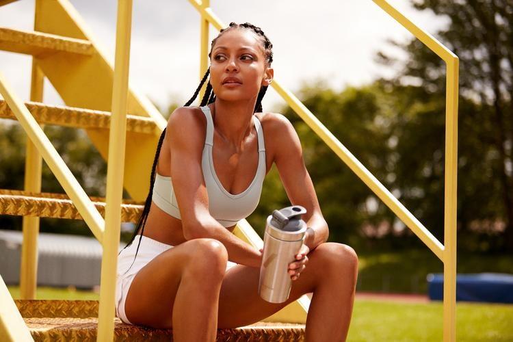 women protein shake