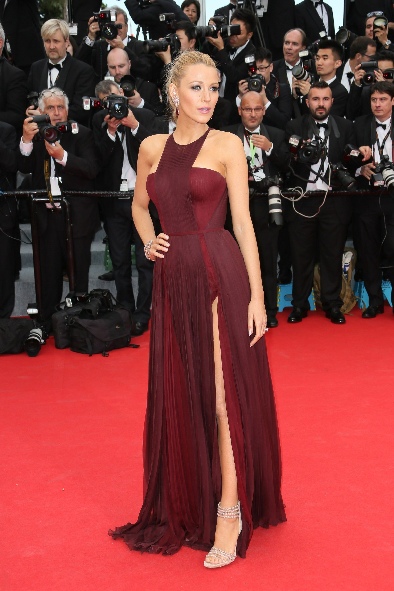 Actress photographed on the red carpet