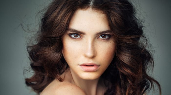Get Beach Curls With the T3 Single Pass Luxe
