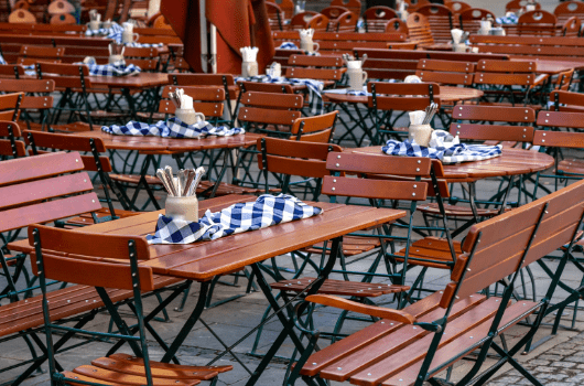 The Return of Al-Fresco Eating: Low-Cal Options from Popular Restaurants