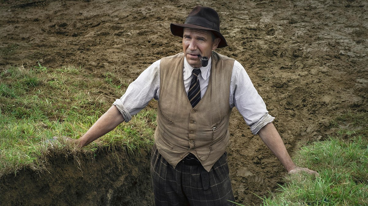 Interview: Ralph Fiennes Talks New Film The Dig And His Return As M In James Bond
