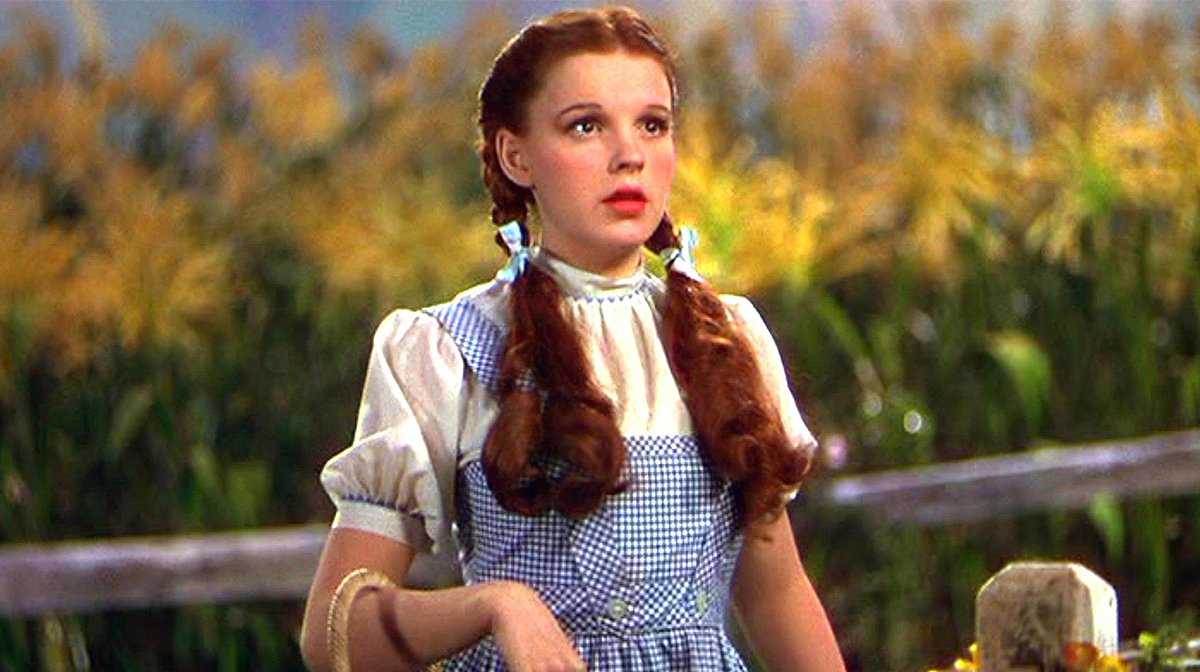 Wizard Of Oz Remake In The Works With Watchmen Director Nicole Kassell