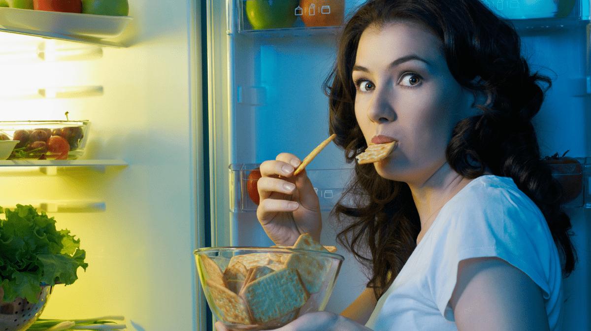 Come evitare la fame da stress: 3 modi per calmare le voglie