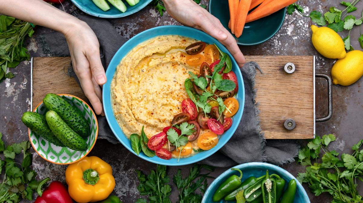 Hummus con Verduras Asadas